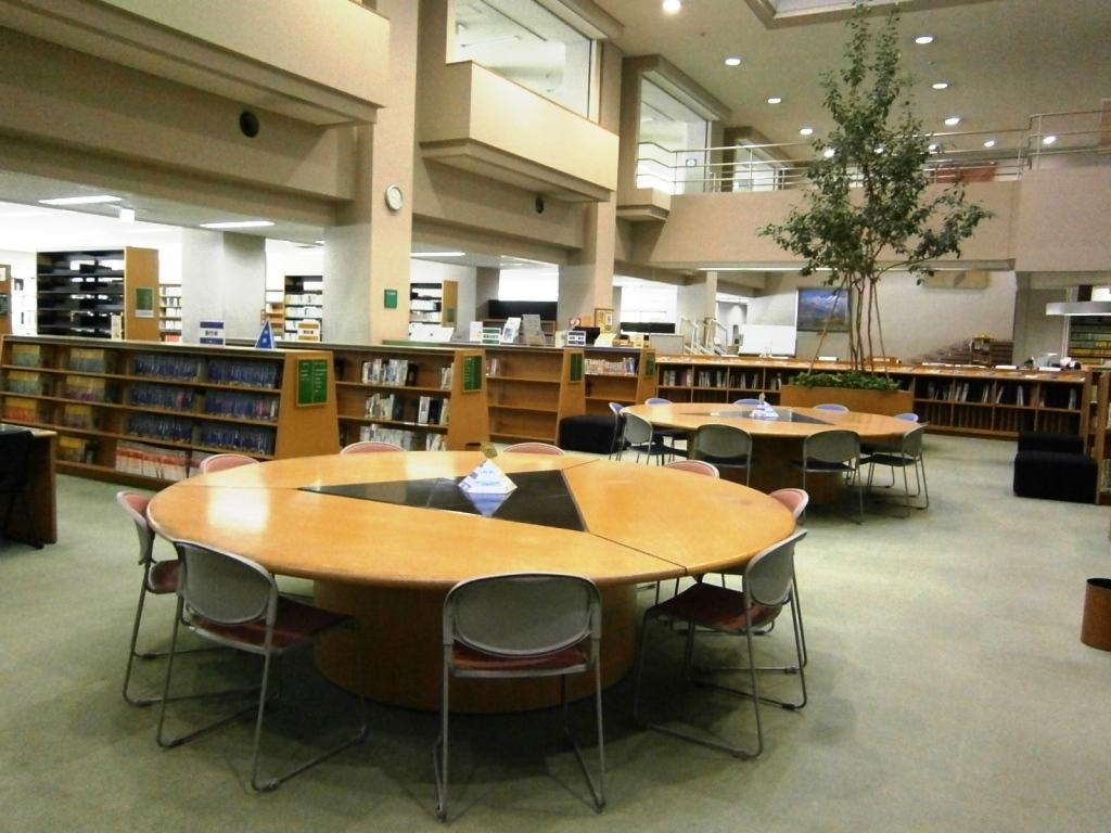 多摩図書館