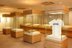 2012年1月に開催された博物館展示室の企画展では、博物館学芸員課程の本学受講生も展示準備などを担当