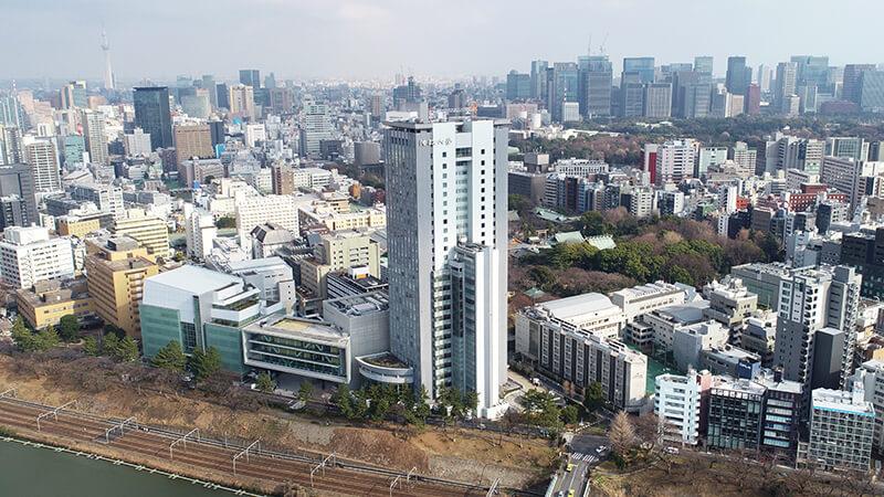 ボアソナード・タワー(2000年4月竣工)