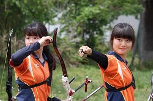 1965年創部以降、洋弓部は学業との両立をしながら靖国神社の相撲場で日々練習をしています。近年の実績としては2016、2017年度に女子部が全日本学生アーチェリー女子王座決定戦出場を果たしています。 また、多くのインカレ出場者を輩出し、大学アーチェリー界において、常に先頭を走り続けています。