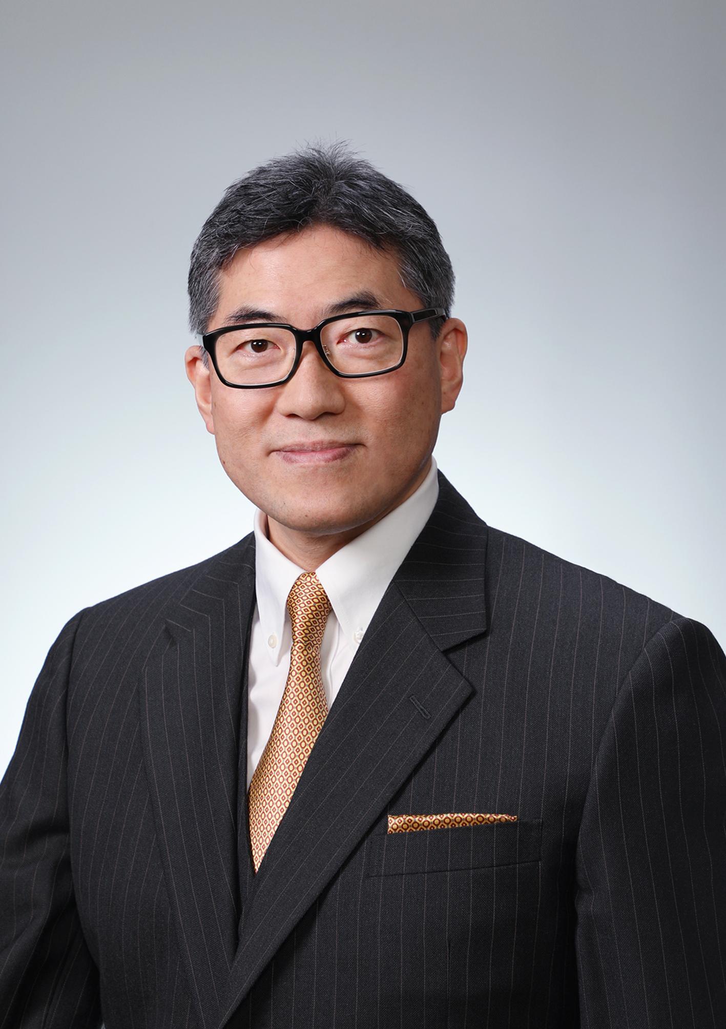 文学部長 安東祐希