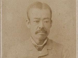 西田忠之氏写真(西田照見氏蔵)。尾張藩飛地の滋賀県蒲生郡竜王町で代官兼庄屋を務める郷士の家に生まれる。1868(明治元)年に刑法官書記として雇われ、76年大審院所属。81年判事となり94年に退官。同年9月の第4回衆議院議員選挙に当選、立憲改進党の議員として活動した
