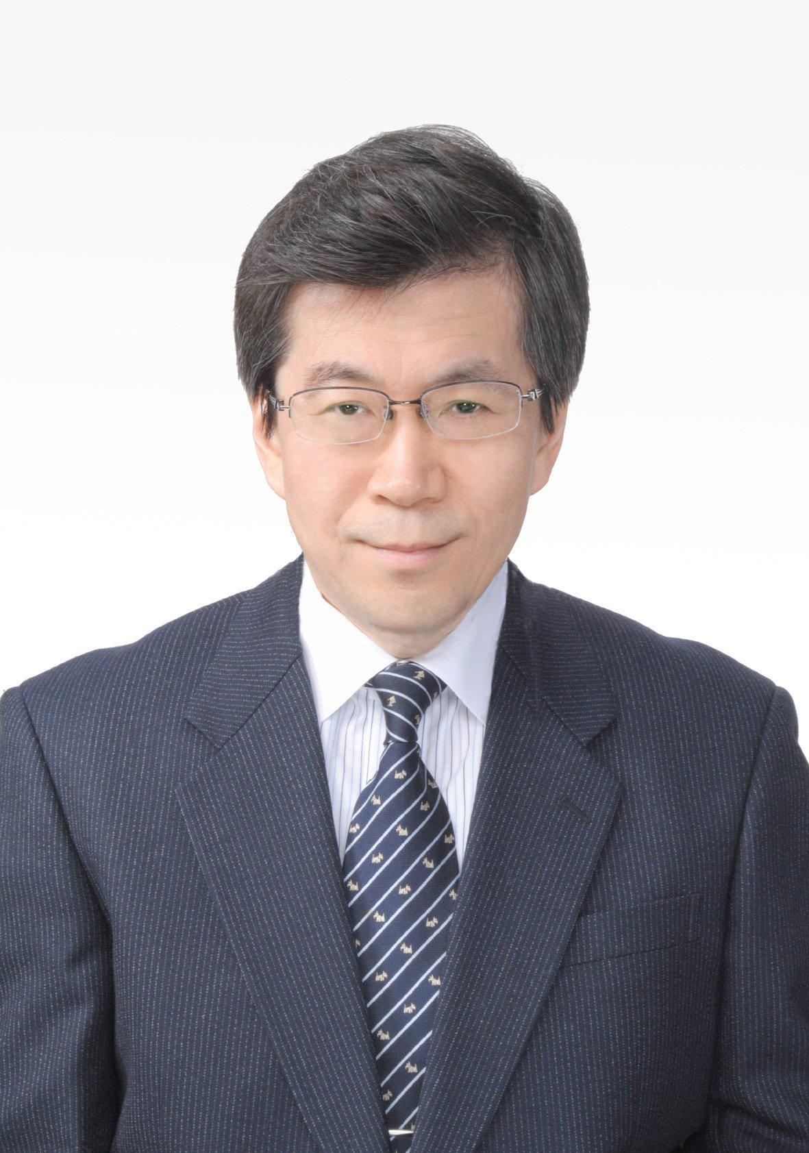 経済学部長 鈴木 豊