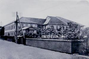 和仏法律学校九段上校舎(明治23年竣工)