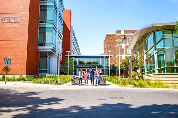 アルバータ大学(カナダ)