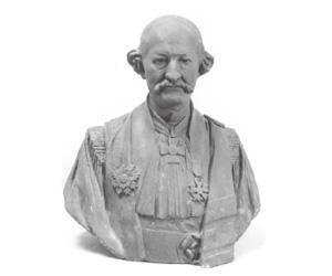 本学が所有するベヌトー制作の胸像原型。ボアソナードの遺品の中から発見された右下の写真を元にしたと推測される