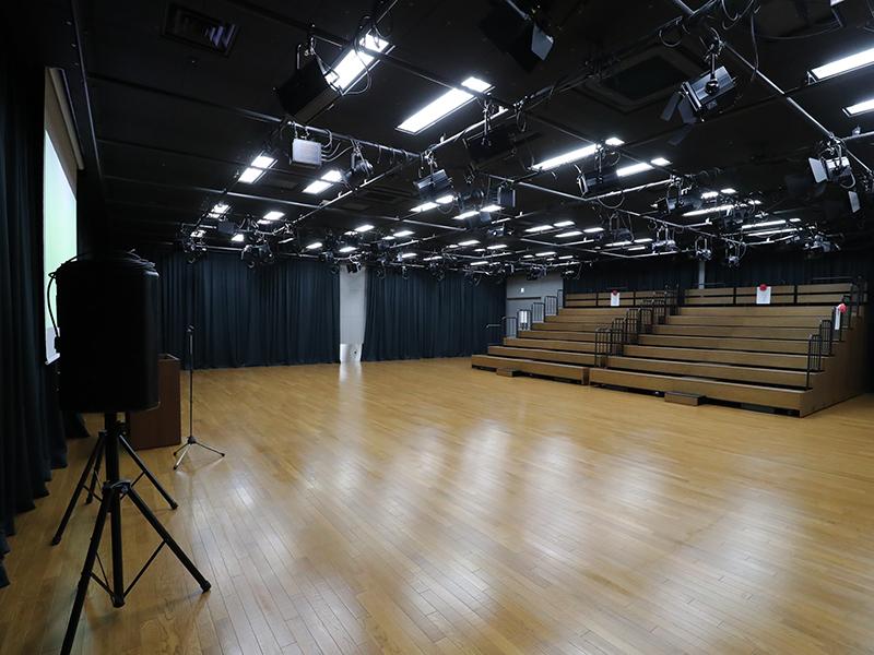 多目的ホール「オレンジホール」